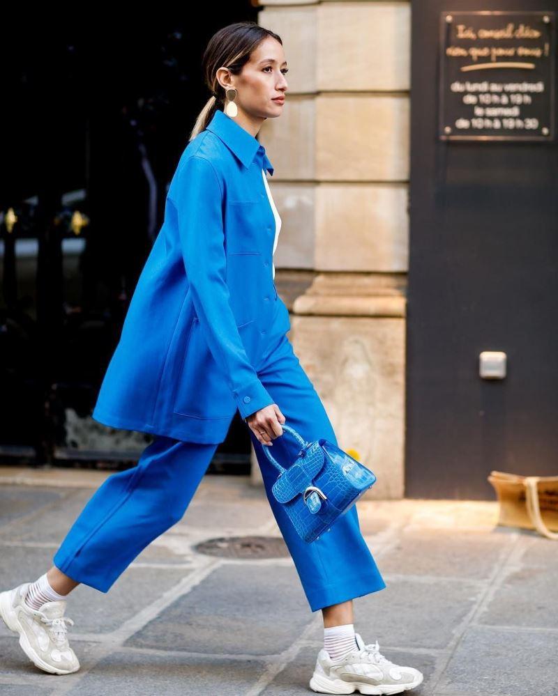 Синие укороченные брюки