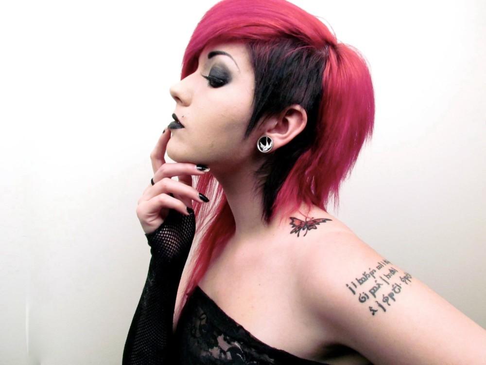 Черно-розовые волосы