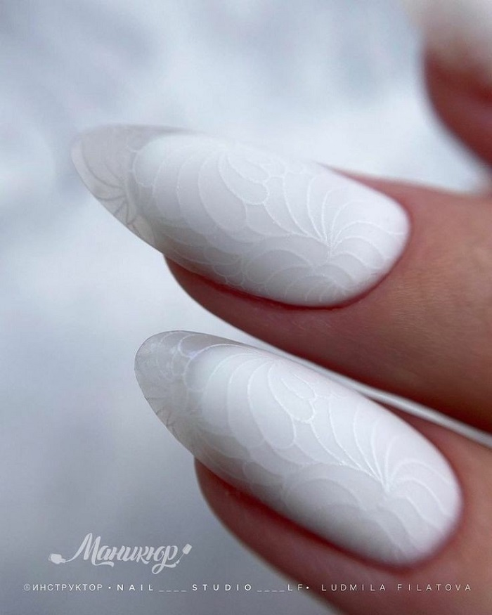 Белый френч