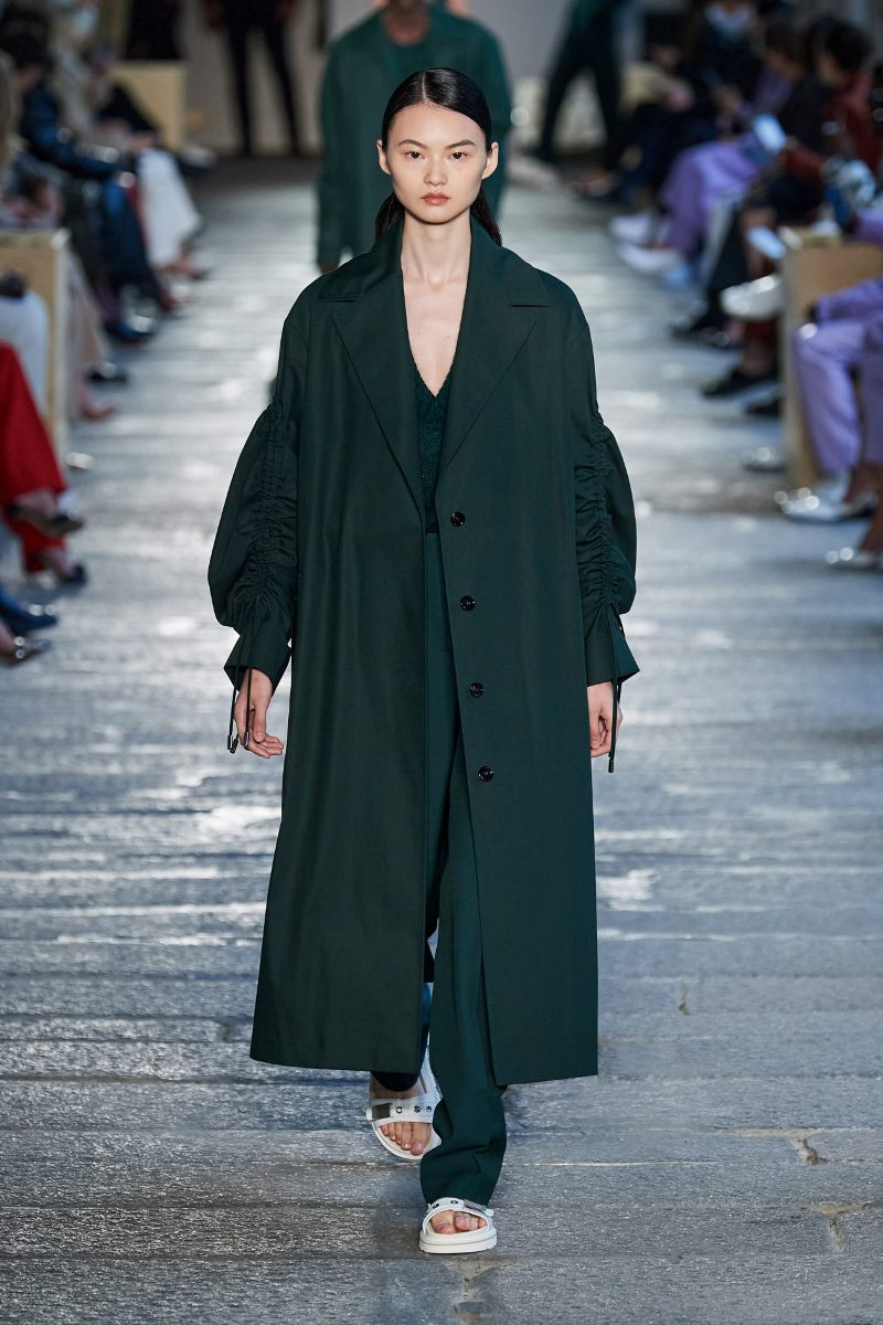 Модный тренд в одежде 2021. Фото из коллекции Hugo Boss
