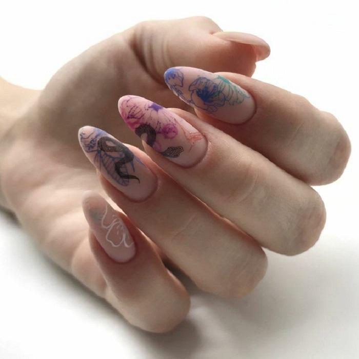 Многослойность на ногтях