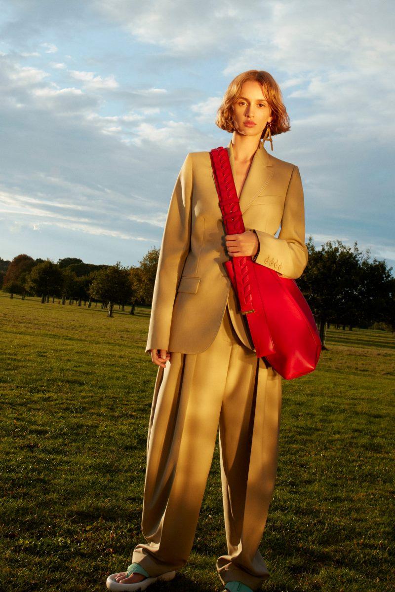 Модная одежда 2021. Брюки оверсайз Stella McCartney