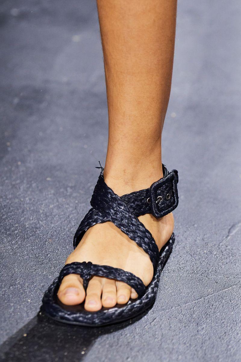 Модная обувь 2021 из коллекции весна-лето Christian Dior