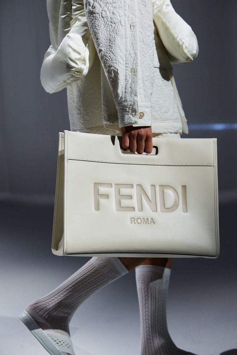 Модная сумка 2021 из коллекции Fendi