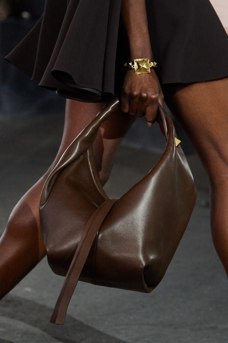 Модные сумки 2021 из коллекции Valentino