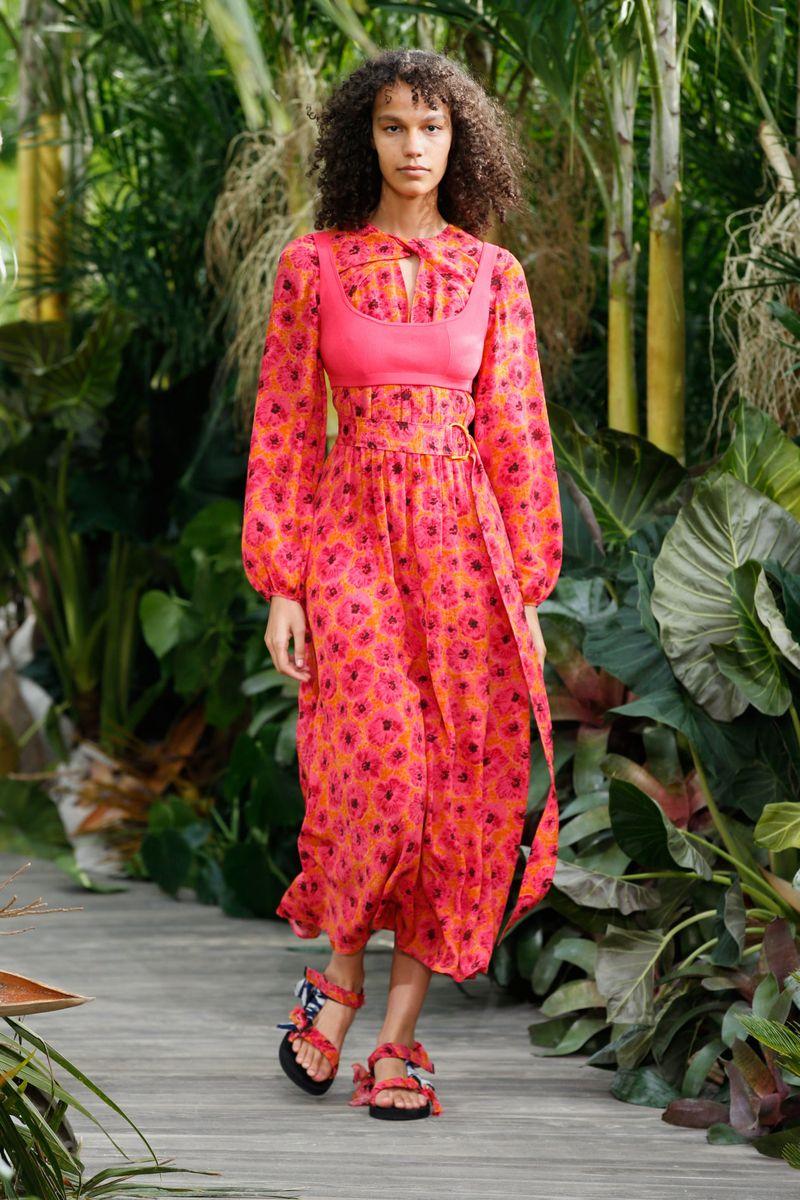 Модное платье весна-лето 2021 из коллекции Jason Wu