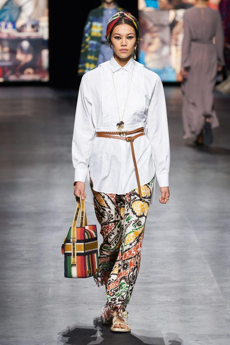 Модная блузка весна-лето 2021 из коллекции Christian Dior