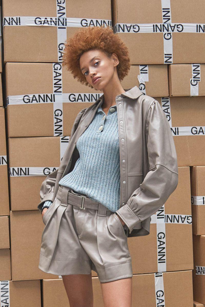 Модная блузка весна-лето 2021 из коллекции Ganni