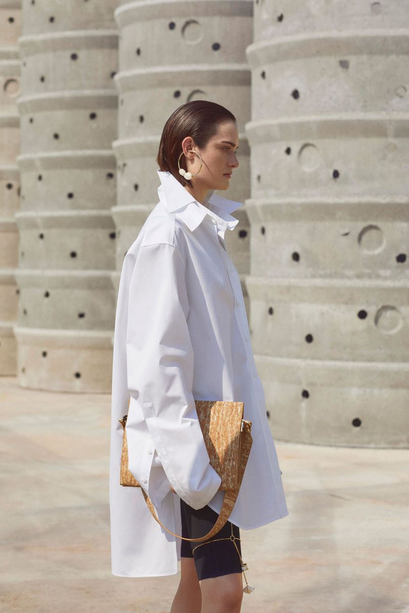 Модная блузка весна-лето 2021 из коллекции Krizia