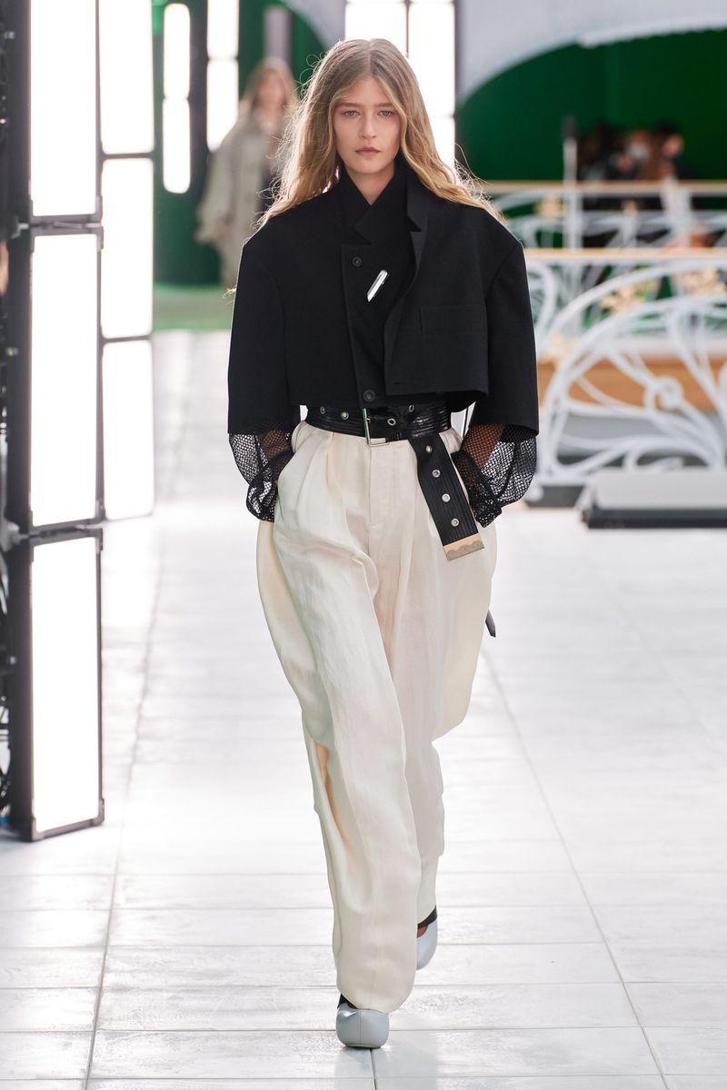 Модные брюки широкого кроя весна-лето 2021 из коллекции Louis Vuitton
