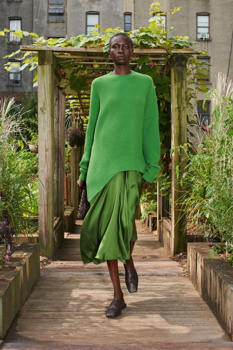 Модная юбка весна-лето 2021 из коллекции Michael Kors Collection