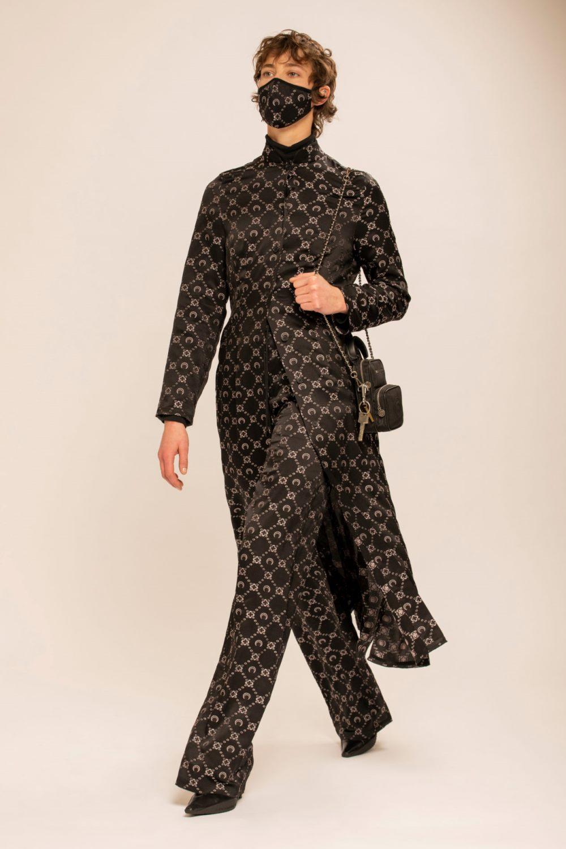 Модные тренды в женской одежде осень-зима 2021-2022 - монопринт. Образ из коллекции Marine Serre.