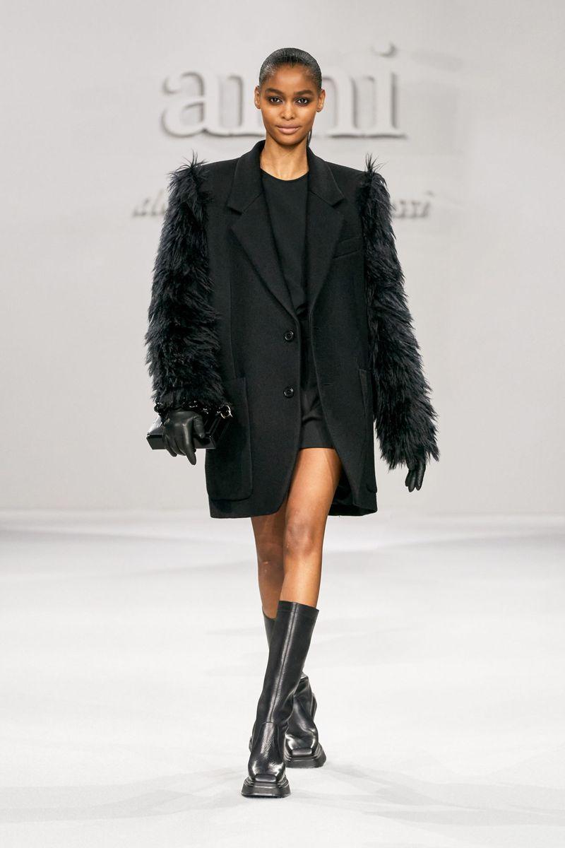 Модное пальто осень-зима 2021-2022 из коллекции Ami