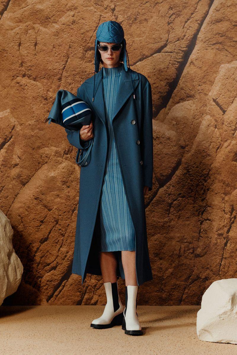 Модное пальто осень-зима 2021-2022 из коллекции Boss Hugo