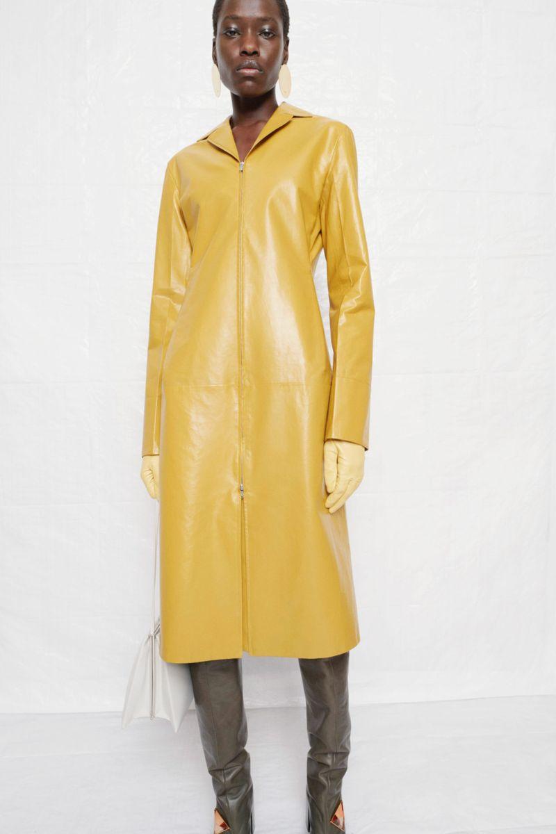 Модное пальто осень-зима 2021-2022 из коллекции Jil Sander