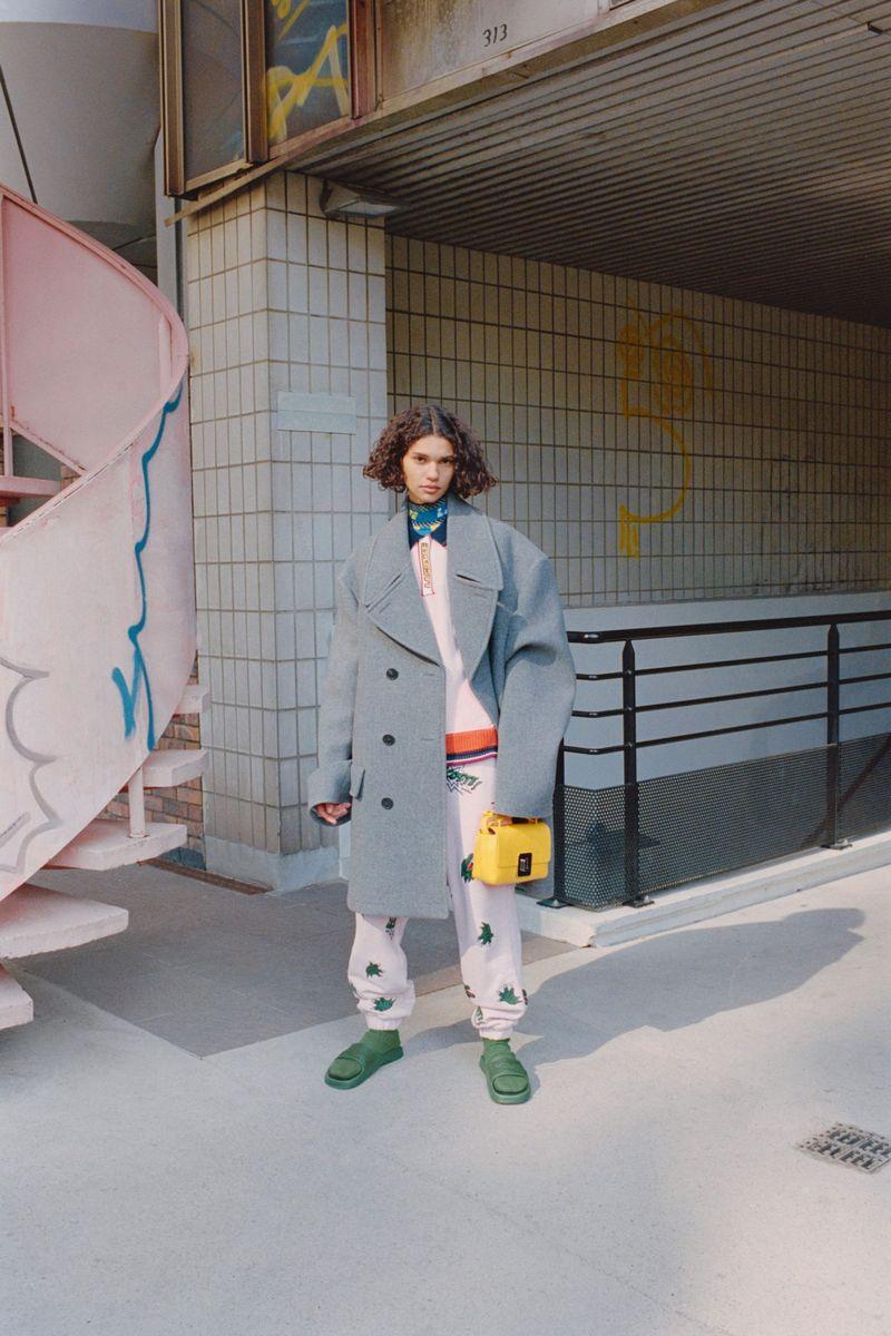 Модное пальто осень-зима 2021-2022 из коллекции Lacoste