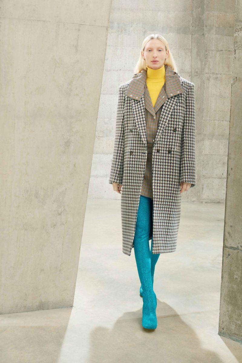 Модное пальто осень-зима 2021-2022 из коллекции Stella McCartney